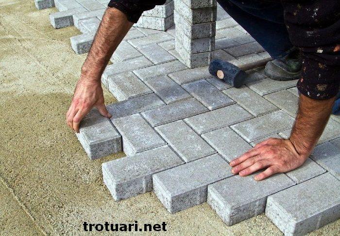 как укладывать тротуарную плитку на песок