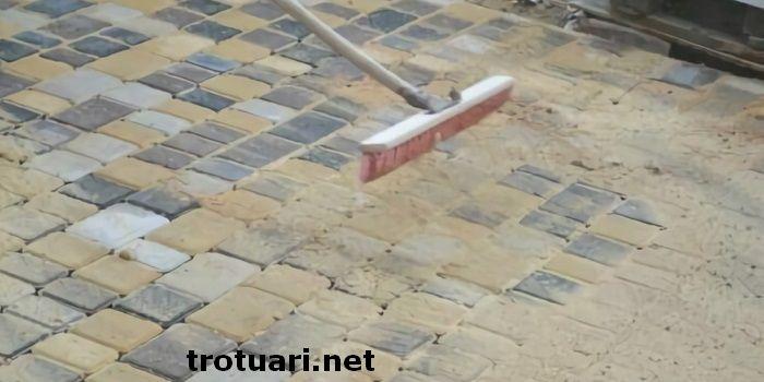 Преимущества заказа укладки тротуарной плитки на песок